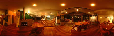 360 degree virtual tour in café